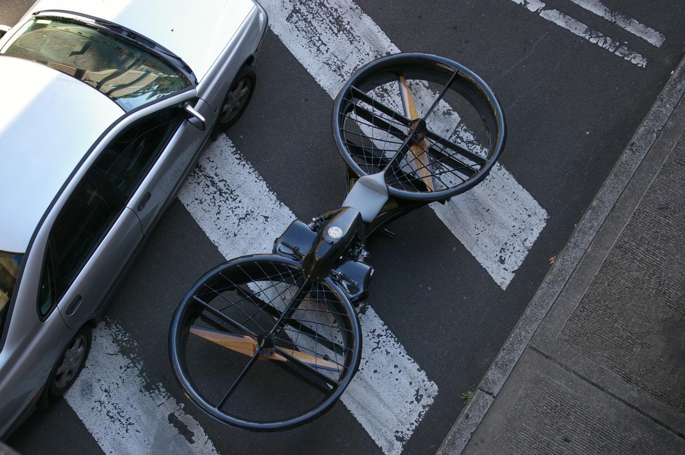 Una HoverBike comodamente parcheggiata