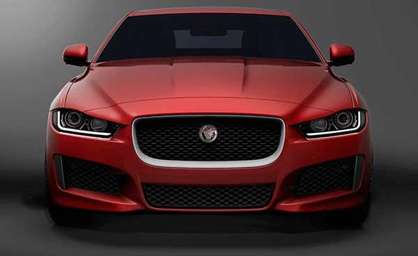 Jaguar XE: è pura tecnologia in movimento