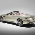 Le Aston Martin Personalizzate da Q in mostra a Pebble Beach - particolare del retro della DB9 di 3/4 dal basso