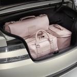 Le Aston Martin Personalizzate da Q in mostra a Pebble Beach - particolare del portabagagli