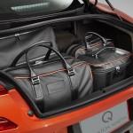 Le Aston Martin Personalizzate da Q in mostra a Pebble Beach - Particolare del portabagagli della Vanquish