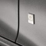 Le Aston Martin Personalizzate da Q in mostra a Pebble Beach - Interni della Vanquish Volante - Logo Q sulla Vanquish Volante