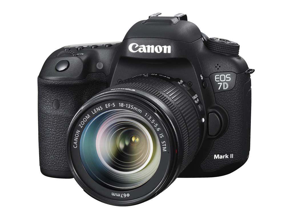 Nuova Canon EOS 7D Mark II nata per la velocità