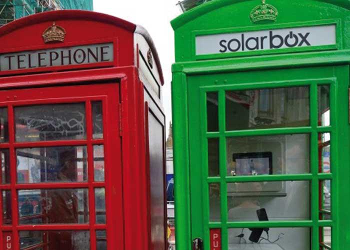 Solarbox: le cabine telefoniche che ricaricano il cellulare