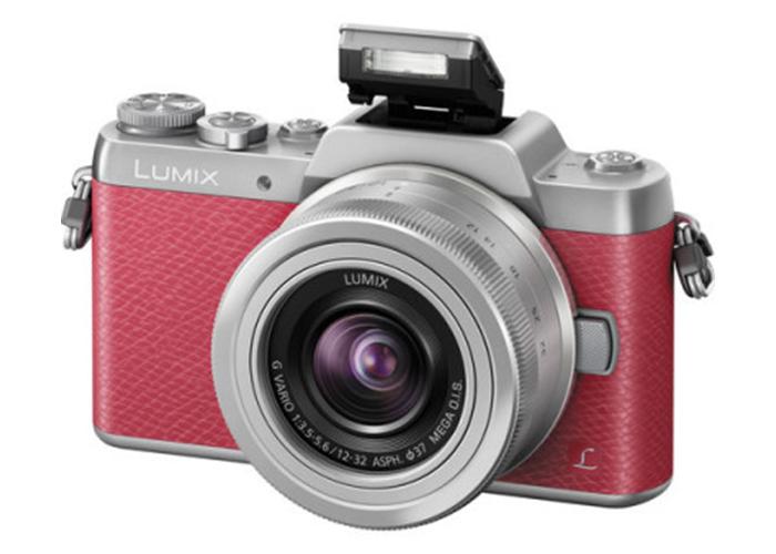 Panasonic Lumix GF7 nata per i selfie