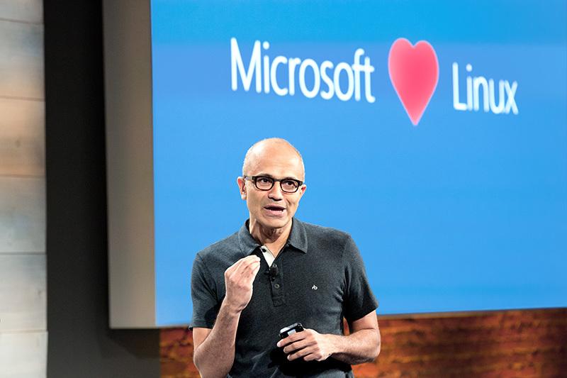 Microsoft compra Revolution Analytics compagnia con modello Opensource