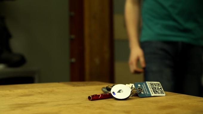 TrackR Bravo aiuta a ritrovare gli oggetti smarriti
