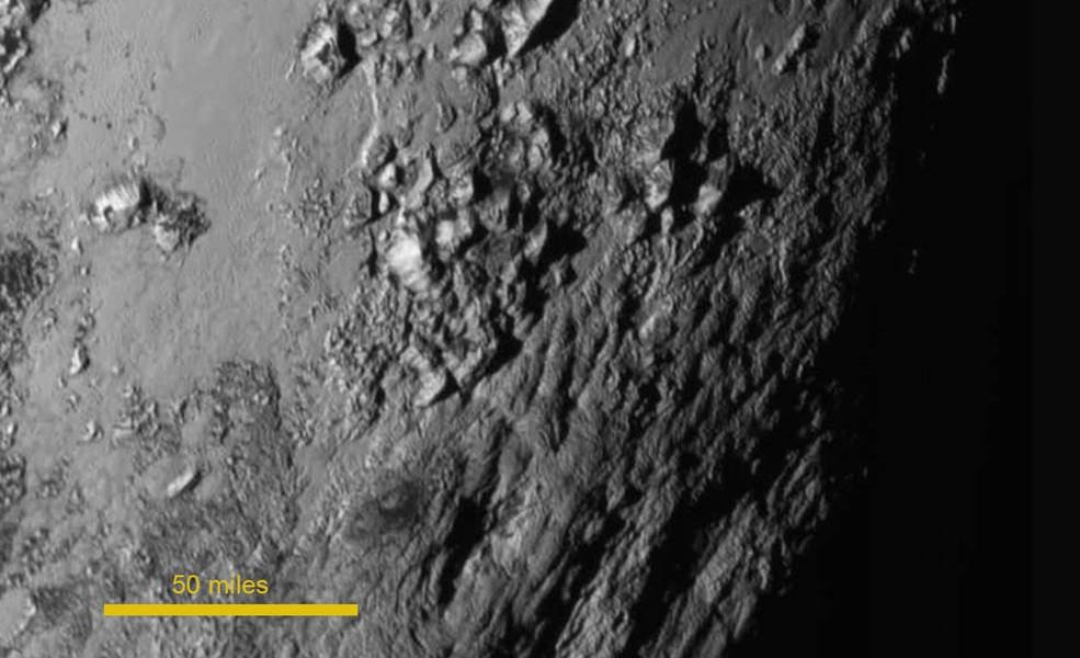 Plutone il pianeta delle montagne di Ghiaccio