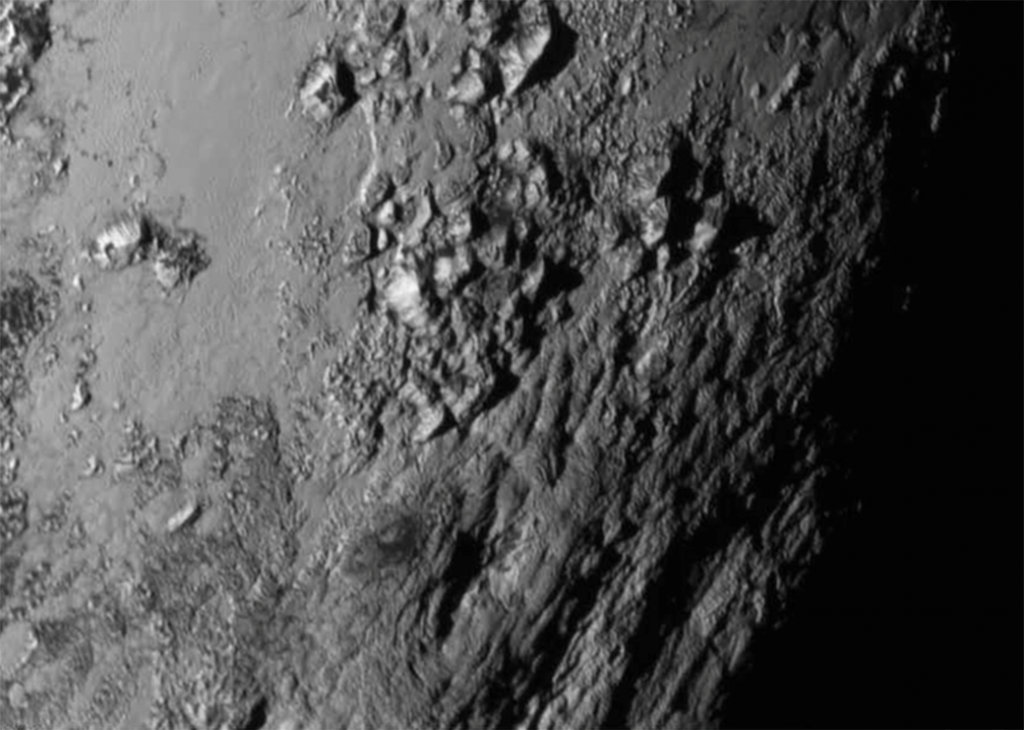 Montagne di Ghiaccio su Plutone