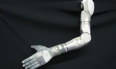 Darpa testa la prima mano protesica a prova di tatto