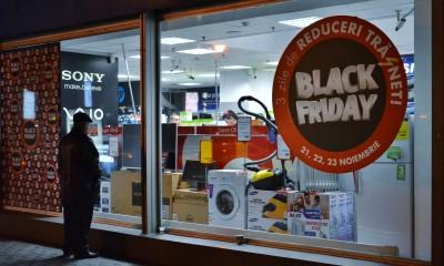 Black Friday al via anche in Italia il giorno dei maxi sconti