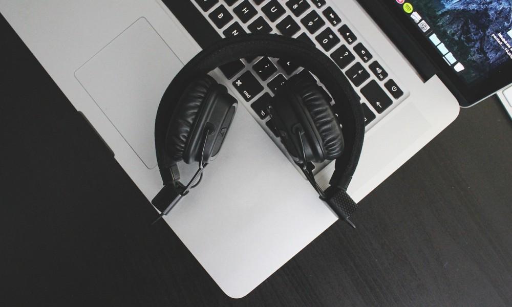 Musica: streaming boom, CD e download in difficoltà