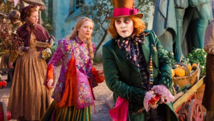 Alice attraverso lo specchio la disney rid vita alla fiaba - Alice e lo specchio ...