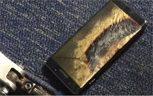 Galaxy Note 7 va a fuoco a bordo di un aereo