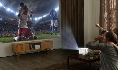 LG ProBeam HF80J, il proiettore smart che vuole rimpiazzare le Smart TV