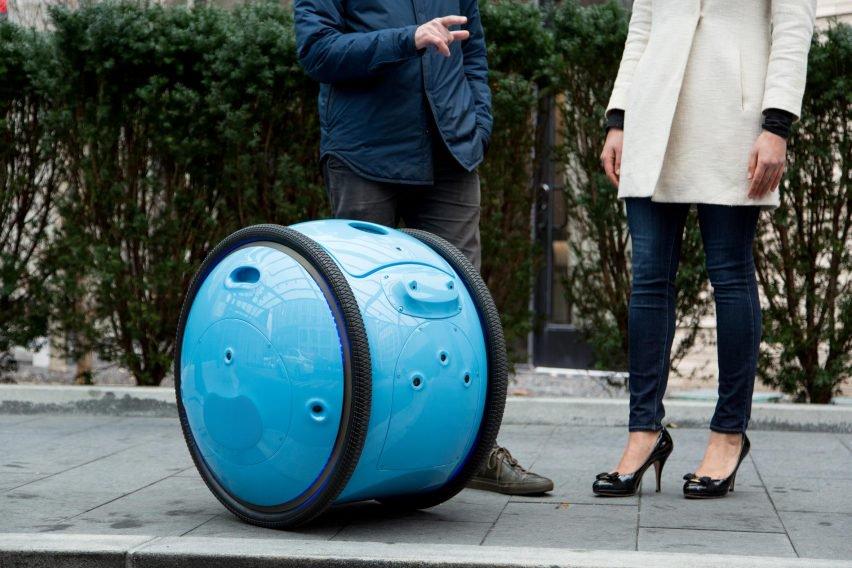 Piaggio Gita, il robot smart che si muove in autonomia