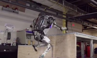 Atlas: il robot di Boston Dynamics che ha imparato il parkour